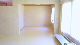 Olohuoneesta seuraavaan huoneeseen...