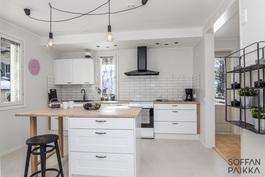 Juuri uusittu keittiö