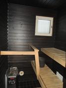Sauna on sävytetty tummaksi