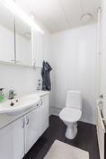 ja erillinen wc