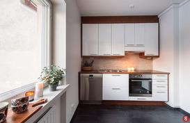 Remontoidun kolmion keittiö