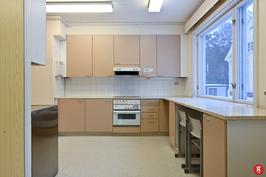 B-rakennuksen keittiö