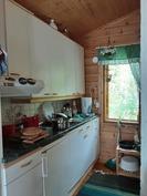 Lomarakennuksen keittiö