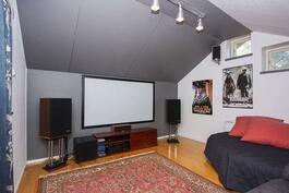 TV/musiikkihuone