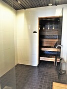 Pesuhuone täysin vesieristyksineen uusittu 2015.