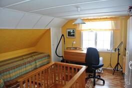 yläkerran toinen huone