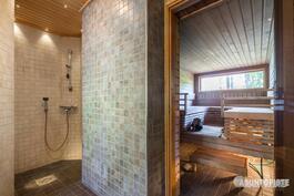 rantasaunan pesuhuonetta ja sauna