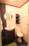 Alakerran erillis wc