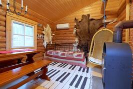 Saunatupa, jossa kamina