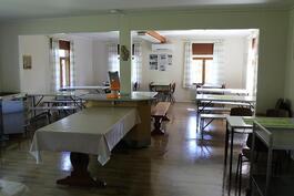 Päärakennuksen ruokasali