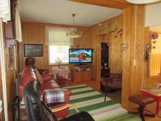 Talon rossipohjalattiat avattu ja lisäeristetty 90-luvulla sekä taloon vedetty valokuitukaapelointi!