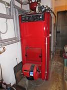 Kiinteistön pannuhuonetekniikka uusittu 2000-luvulla ja öljysäiliöt ovat lasikuitua!