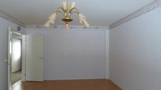 ison kokoinen olohuone
