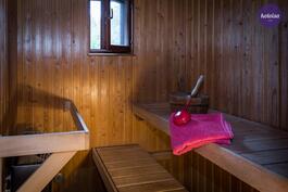 Sauna löytyy yläkerrasta