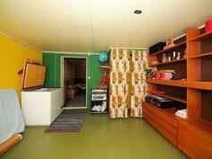 yläkerta huone 2