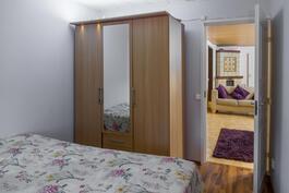 Talossa on kolme makuuhuonetta