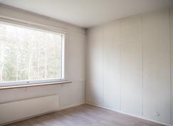 Makuuhuone 1 ikkunan suuntaan