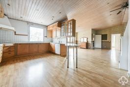 Keittiö, ruokasali, olohuone / kök, matsal, vardagsrum