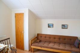 Yläkerran huonetila 1