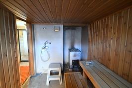 Sauna ja pesutilaa