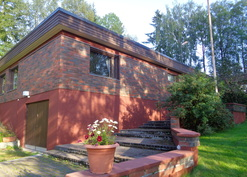 Aika ostaa perheelle iso, hyvä talo ja asettua taloksi vielä syksyn aikana!