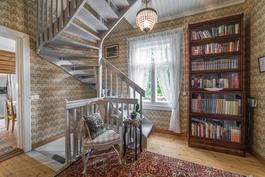 käynti yläkertaan...