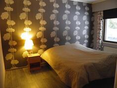 Makuuhuone 4, käynti olohuoneesta