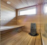Näkymä uudistettuun upeaan saunaan.