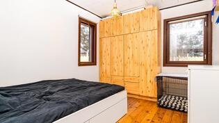 Lisäsiiven makuuhuone 2