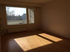 aurinkoinen olohuone