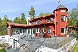 Talo on arkkitehti Kalle Viljasen käsialaa/ Huset ritat av arkitekten Kalle Viljanen.
