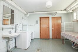 Kylpyhuone / Kodinhoitotila