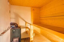 B-asunnon sauna