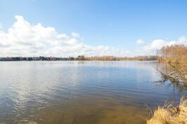 Vieressä oleva Iidesjärvi
