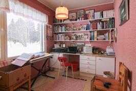 Makuuhuone 3/työ- ja harrastehuone