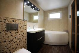 Poreamme uuden kylpyhuoneen perällä rentoutumiseen