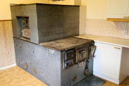 vanhan puolen keittiö