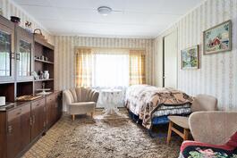 makuuhuone 2   Aninkainen.fi/Raisio, kiinteistövälitys. Merja Hakala puh. 040 840 6627