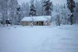 Huoltorakennus, sauna ja autotalli