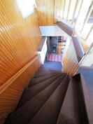 Yläkertaan