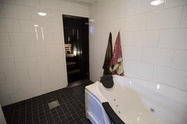 Kylpyhuone remontoitu 2016