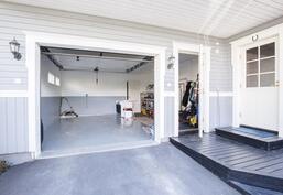 Autotalli-Garage