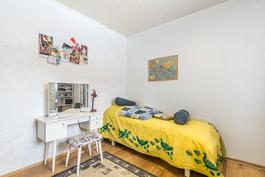 asuinkrs: makuuhuone 2