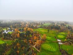 Bjärkas Golfille yhden rautaseiskan lyönnin pituinen matka.