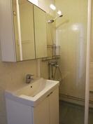 Kylpyhuoneeseen uusittu kalusteet