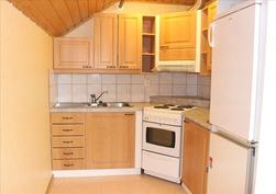 pieni keittiö yläkerran aulassa