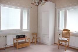 makuuhuone 3, alakerta