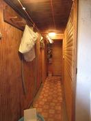 kellarikerroksessa on sauna ja pesutilat