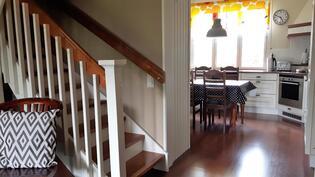 Sunwood portaat (koivu/tummaksi petsatut askelmat)