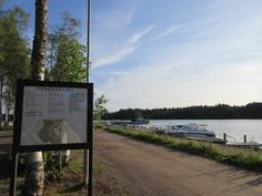 ... Pyhäjärven Euran kunnan hiekkarannalle ja pienvenesatamaan on n.1,8km.